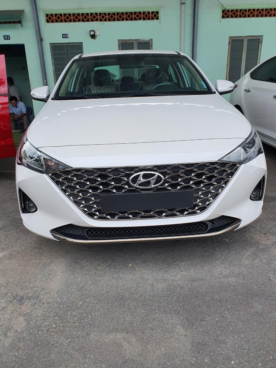 Hyundai Accent AT tiêu chuẩn 2021, km phụ kiện hấp dẫn. Nhận xe chỉ 160 triệu