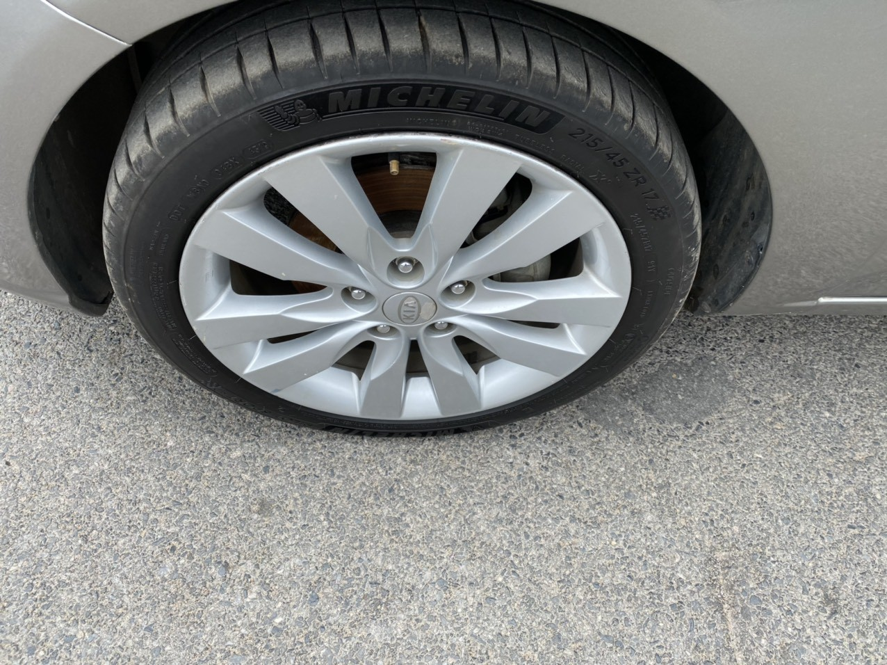 Cần bán Kia Forte SLI 2009, màu xám, xe nhập