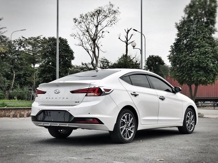 Bán ô tô Hyundai Elantra 2021, màu trắng, 580tr