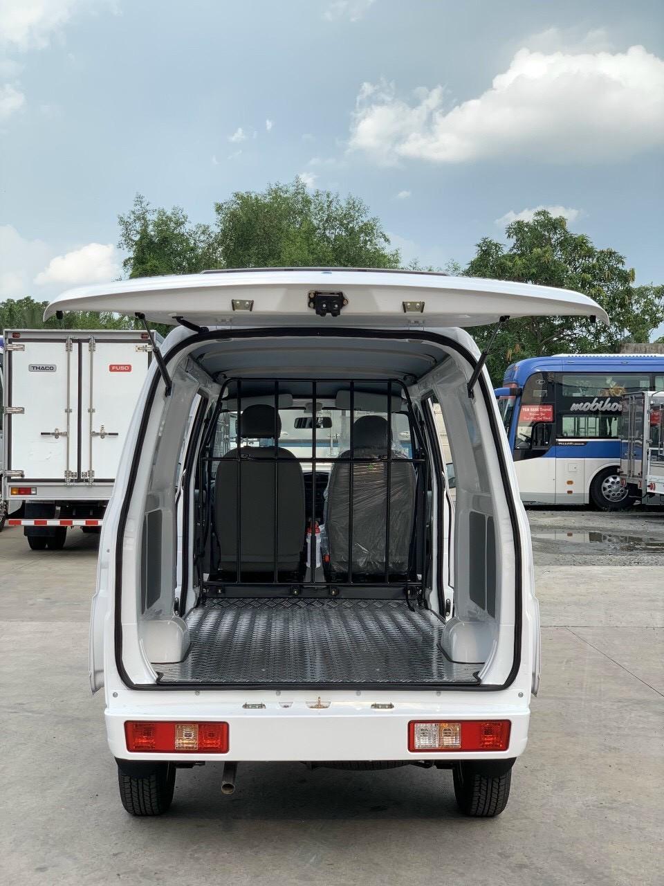 Xe tải VAN đi giờ cao điểm tặng 200l xăng