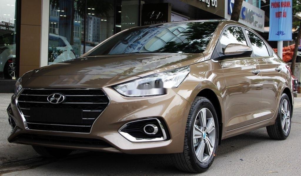 Hyundai Accent màu nâu