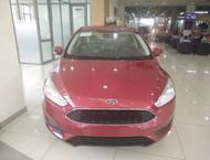 Cần bán xe Ford Focus 1.5 Ecoboost 2017, màu đỏ - LH 0917 26 2332