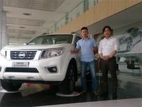 Bán xe Nissan Navara NP300 2.5EL, màu trắng, xe nhập, 649 triệu