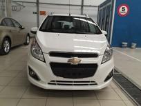 Chevrolet Cần Thơ bán xe Chevrolet Spark LT đời 2017, màu trắng - LH ngay: 0944.480.460 - Phương Linh