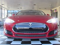 Em bán xe điện Tesla Model S AWD P85D 2014 màu đỏ/kem. 295k