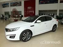 Cần bán xe Kia Optima AT đời 2015, màu trắng