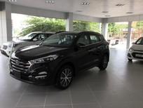 Hyundai Tây Hồ bán xe Hyundai Tucson 2.0 AT nhập năm 2016, màu đen, giá 975tr, khuyến mại lớn gọi: 0982093089