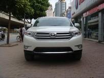 Cần bán xe Toyota Highlander LE năm 2016, màu trắng nhập khẩu nguyên chiếc