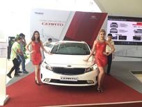 Kia Cerato 2.0AT, tính năng an toàn và tiện nghi hơn hẳn so với phiên bản tiền nhiệm