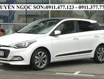 Cần bán Hyundai i20 Active đời 2016, màu trắng, nhập khẩu