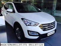 Cần bán Hyundai Santa Fe đời 2017, màu trắng, xe nhập
