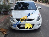 Mình cần bán Hyundai i20 AT đời 2012, màu trắng đã đi 35000 km