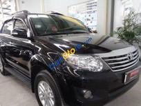 Cần bán xe Toyota Fortuner V AT năm 2013, màu đen đã đi 46246 km, giá 900tr