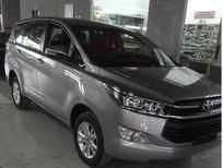 Cần bán xe Toyota Innova 2.0E MT sản xuất năm 2019, màu bạc, 771tr