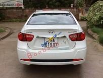 Cần bán Hyundai Avante 1.6AT 2012, màu trắng, 485tr