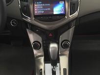 Chevrolet Cruze số tự động 6 cấp, vận hành êm ái.
