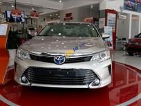 Toyota Camry 2.0E, khởi động start-stop, xe giao ngay, bán giá vốn