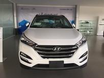 Cần bán xe Hyundai Tucson Bản tiêu chuẩn 2.0 AT đời 2016, màu trắng, nhập khẩu chính hãng, giá chỉ 914 triệu