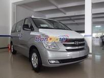 Cần bán Hyundai H-1 Starex đời 2016, màu bạc, nhập khẩu chính hãng, giá tốt