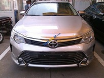 Cần bán Toyota Camry 2.0E đời 2015, màu bạc