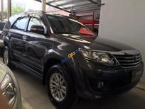 Cần bán xe Toyota Fortuner V 2012 giá cạnh tranh