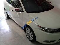 Cần bán Kia Forte AT đời 2011, màu trắng xe gia đình