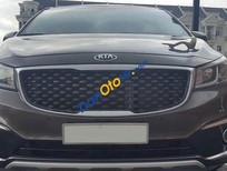 Cần bán xe Kia Sedona đời 2015, màu nâu