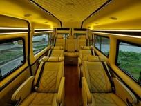 Bán xe Ford Transit Limousine 10 chỗ, 1tỷ 165 triệu, xe giao ngay