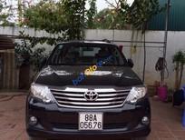 Cần bán Toyota Fortuner 2.7V đời 2014, màu đen