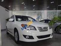 Cần bán Hyundai Avante 1.6L MT đời 2016, màu trắng