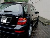 Cần bán lại xe Mercedes ML350 đời 2009, màu đen, nhập khẩu xe gia đình
