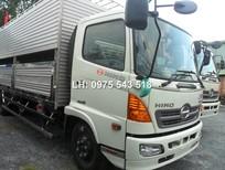 Bán xe tải Hino 6 tấn thùng FC9JLSW chở heo, chở gia súc nâng hạ thùng xe