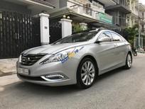 Bán Hyundai Sonata 2.0AT đời 2011, màu bạc, nhập khẩu