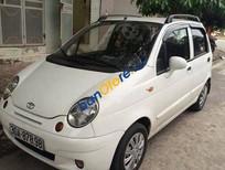 Cần bán gấp Daewoo Matiz MT đời 2005, màu trắng số sàn, giá tốt