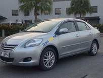 Cần bán gấp Toyota Vios E năm 2010, màu bạc