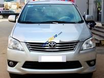 Cần bán xe Toyota Innova E 2.0MT 2013, màu bạc