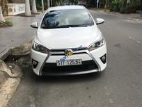 Cần bán gấp Toyota Yaris 1.3 G đời 2015, màu trắng xe gia đình, giá tốt