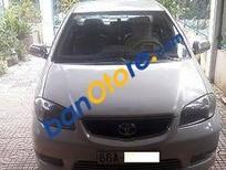 Cần bán xe Toyota Vios sản xuất 2004, màu bạc số sàn