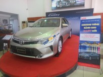 Bán ô tô Toyota Camry 2.0E 2016, màu bạc
