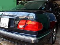 Cần bán Mercedes E240 đời 2002, màu xanh lam chính chủ, giá tốt