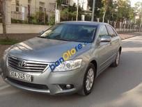 Cần bán xe Toyota Camry 2.4G năm 2010, màu ghi bạc