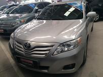 Cần bán Toyota Camry LE 2009, màu bạc, nhập khẩu