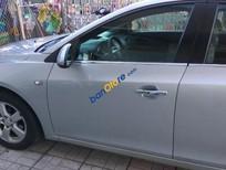 Bán Chevrolet Cruze LS đời 2010, màu bạc xe gia đình