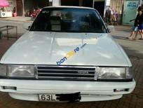 Cần bán xe Toyota Camry 1989, màu trắng chính chủ, giá 64tr