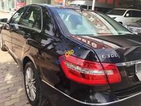 Cần bán Mercedes E300 3.0 đời 2010, màu đen số tự động