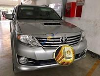 Bán xe Toyota Fortuner G số sàn, máy dầu màu bạc