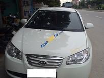 Xe Hyundai Elantra năm sản xuất 2011, màu trắng, xe nhập