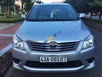 Bán Toyota Innova E 2.0MT đời 2013, màu bạc xe gia đình, 665 triệu