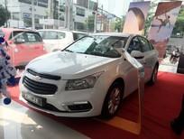 Bán ô tô Chevrolet Cruze LT model 2017, màu trắng, 589tr, khuyến mãi 60 triệu