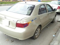 Xe Toyota Vios G năm 2001 màu vàng cát, giá 225 triệu